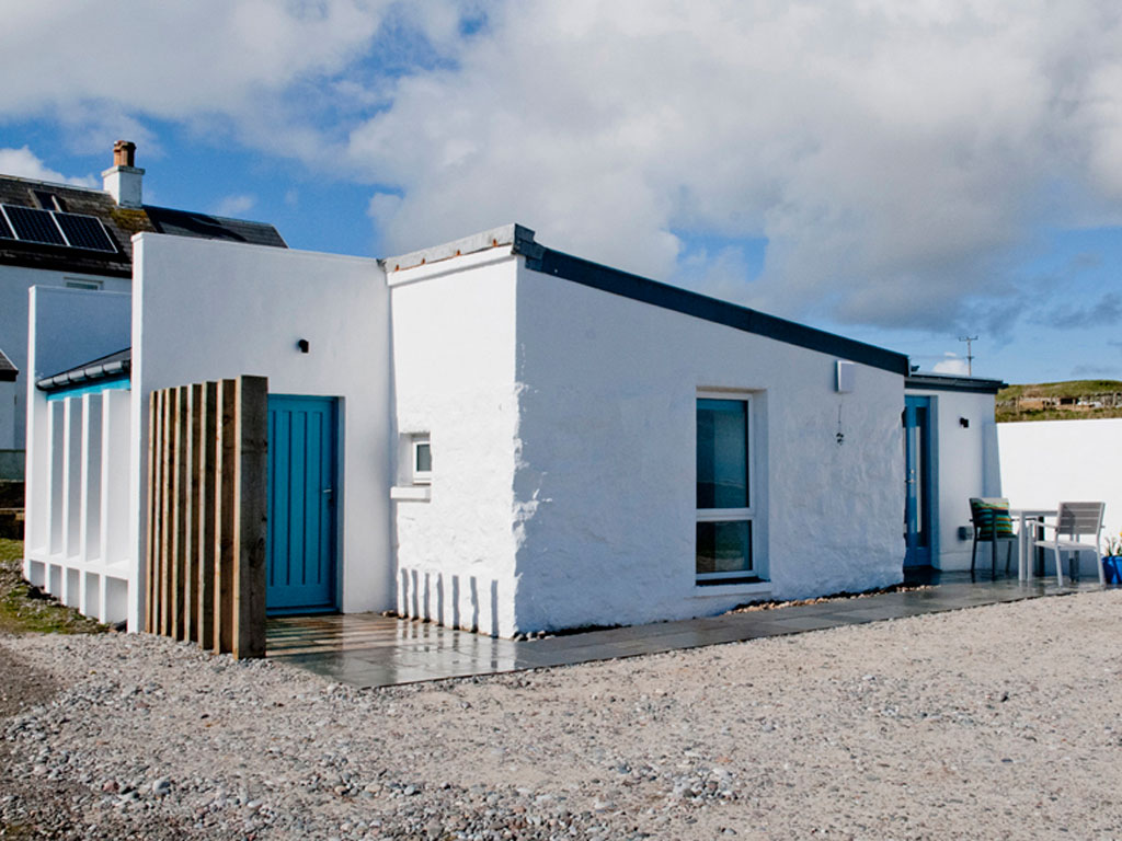 East exterior of Blue Beyond Cottage, Tiree